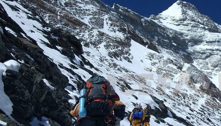 Chulu-West Trek