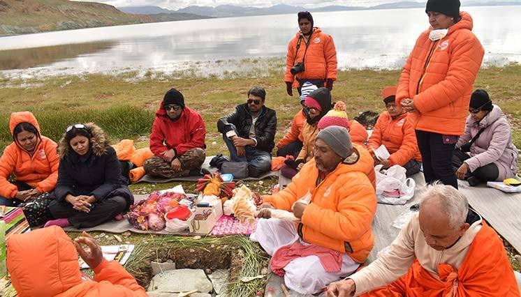 Homa at Lake Mansarovar